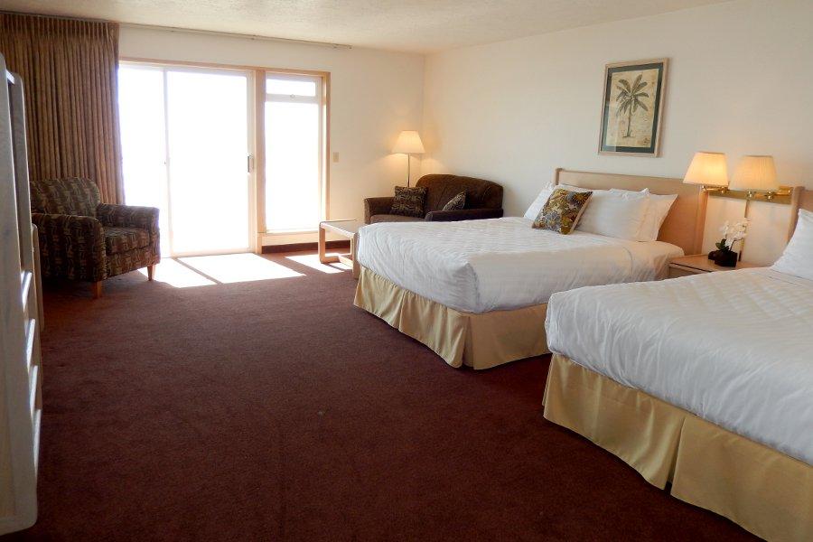 Balcony Jr Suite 2 Queen Beds