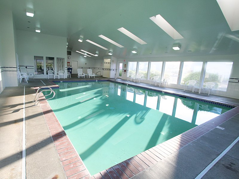 Newport Oregon Hotel Pool The Whaler Motel